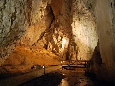 מערת סטופיצ'ה | Stopića cave, סרביה