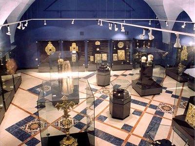 אוקראינה, קייב - מוזיאון האוצרות ההיסטוריים של אוקראינה במתחם לאוורת קייב-פצ'רסק