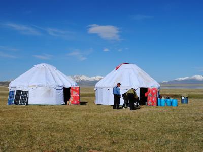 טיול פרטי מודרך בקירגיזסטן כולל לינה ביורטות על שפת האגם סון קול | 10 ימים