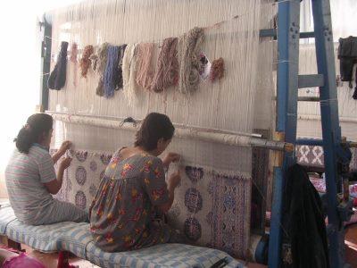 אוזבקיסטן, מפעל שטיחים בסמרקנד