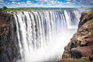 טיול פרטי מודרך למפלי ויקטוריה (Victoria Falls) בדרום אפריקה