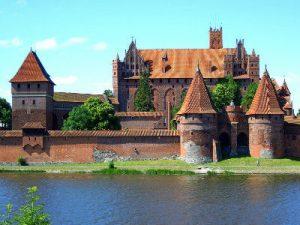 טירת מאלבורק, פולין